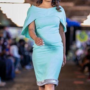 Caplet faux fur dress